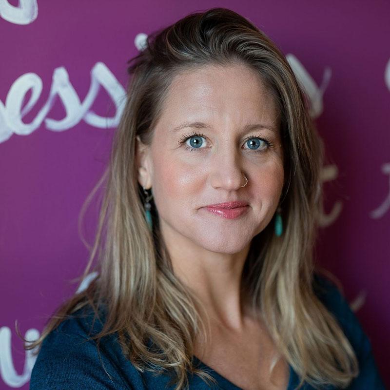 Vanessa De Groot artist, art therapist, art therapy, kind-hearted studio